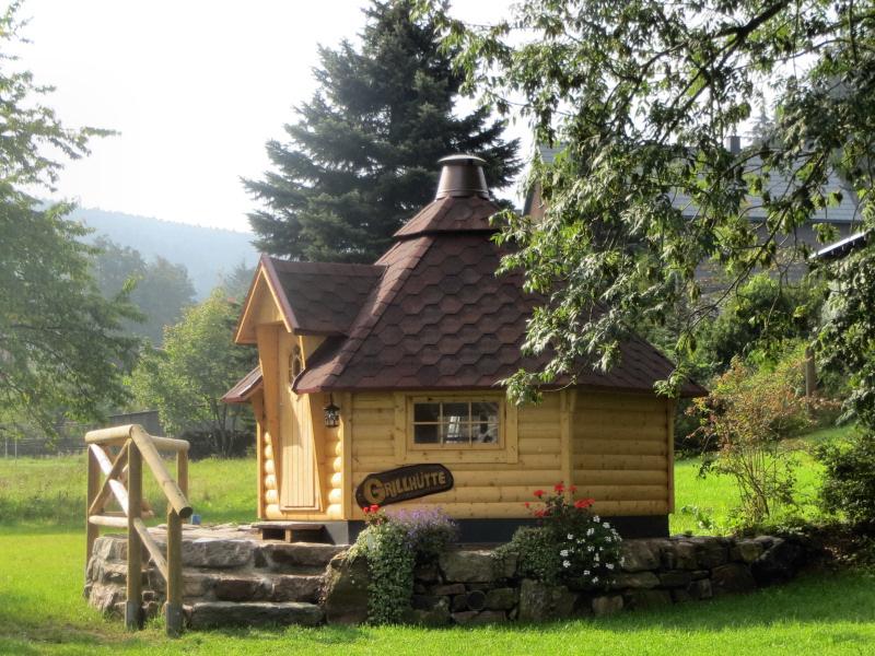 korn pension familienpension gehren deutschland tel 03678380. Black Bedroom Furniture Sets. Home Design Ideas